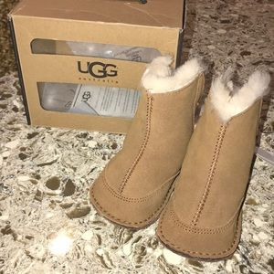 NWT Ugg Boo Baby Boots Size (M) 4/5